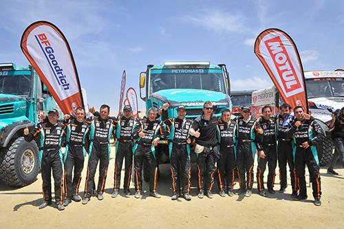 依维柯车队站上2019达喀尔领奖台,GerardDe Rooy赢得卡车组第三名!