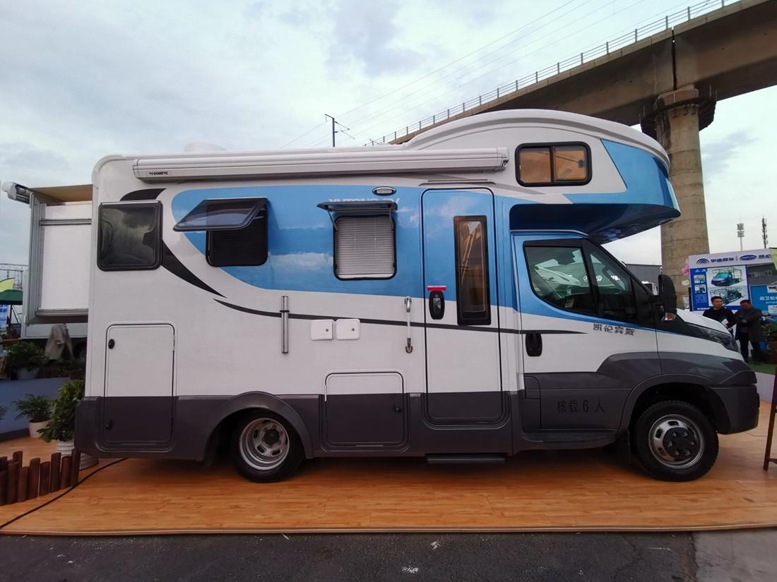 凯伦宾威5045 新款进口依维柯房车